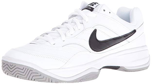 Nike's Lite Tennis Shoes for Narrow Feet